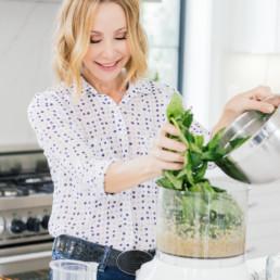 Lisa Breckenridge using blender